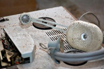 Altes Tonband und Kopfhörer