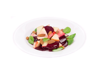 Beet salad with spinach and minced apple.