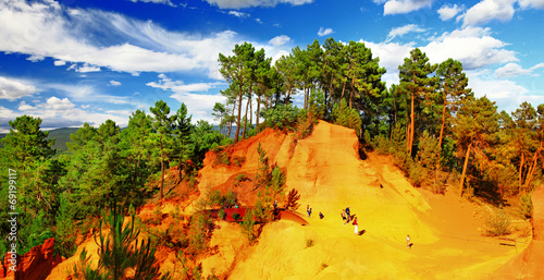 Tuinposter Canyon Red Cliffs in Roussillon, Provence, France