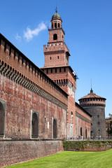 Eingang zum Castello Sforzesco in Mailand