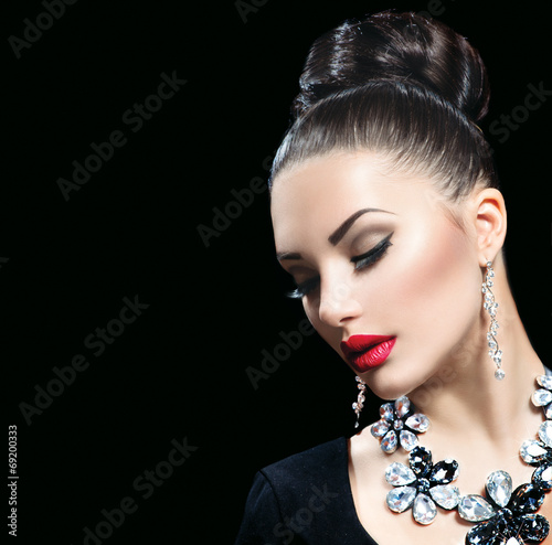Beauty woman with perfect makeup and luxury accessories
