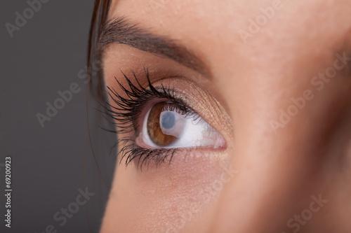Leinwandbild Motiv Portrait of a pretty girl  close up eye