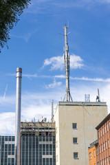 Mobiltelefonmast auf Gebäude