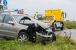 Leinwandbild Motiv Abschleppdienst an Unfallstelle - Verkehrsunfall