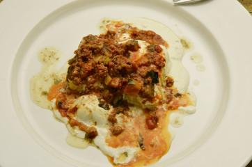 Polentina con ragù di salsiccia e crema di ricotta Expo 2015