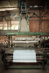 Silk loom weaving machine