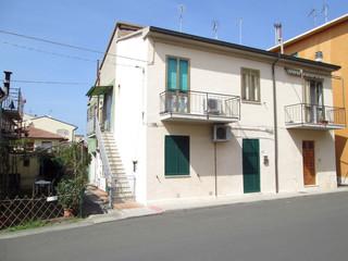 Casa di due piani a Cecina (2014)