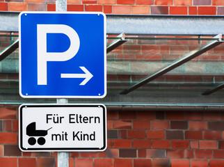 Parkplatz - Eltern - Kind