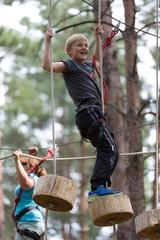 Spaß und Abenteuer im Kletterwald
