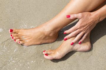 Carezza sulle caviglie