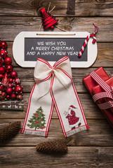 Weihnachtskarte mit Text in Englisch: Frohes Fest