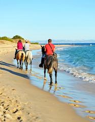 A caballo por la playa, vacaciones de verano, Tarifa, España