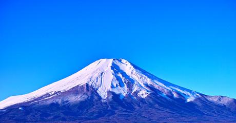 秋晴れのクリアな富士山