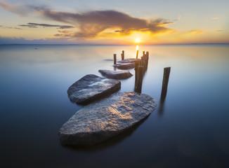 złote kamienie ,przystań nad Morzem