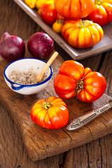 Erntefrische Tomaten aus dem eigenen Garten