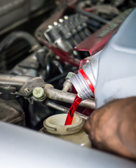 Hand pouring transmission fluid