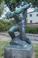 Frihedskampen Statue Sankt Mikkels Kirke Slagelse