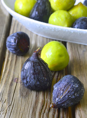 Figs fruit.