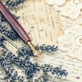 Fototapety vintage ink pen, dried lavender flowers and old love letters