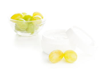 moisturizer cream with grapes