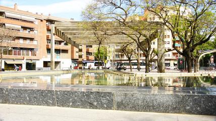 estanque y fuente en la Plaza Virrey, Barcelona