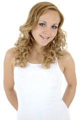 Blonder Twen trägt Oberteil mit Textfreiraum