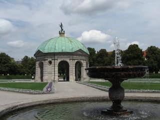 Il Tempio di Diana agli Hofgarten di Monaco di Baviera
