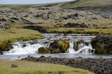 rivière islandaise