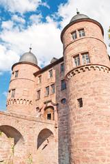 Das mächtige Burgtor der Burg Wertheim am Main