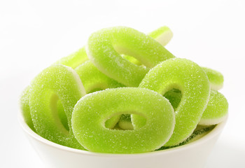 Sour gummy apple rings