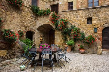Borgo medievale di Spedaletto, Toscana