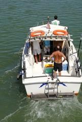 Barco con personas