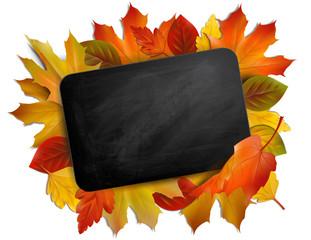Blackboard mit Herbstblättern