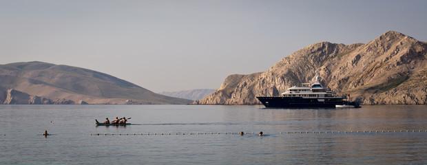 yacht in the Gulf of Baska