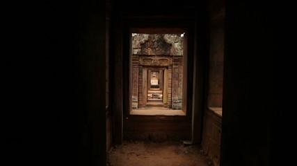 Angkor wat temple hall change of focus