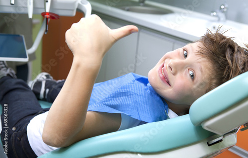 Fototapeta Young boy in a dental surgery