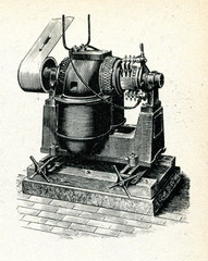 Dynamo with upper rotor
