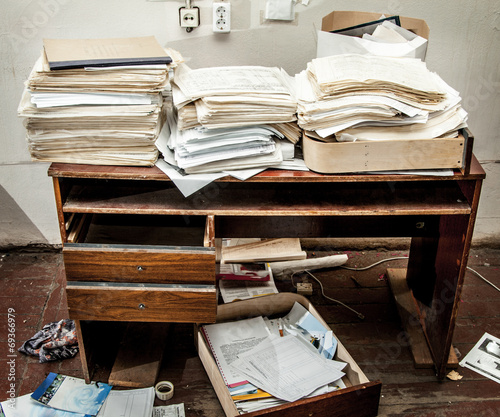 Messy workplace - 69366979