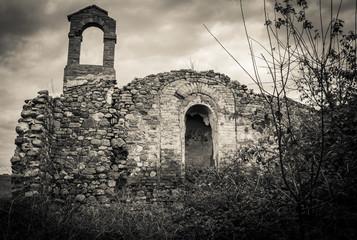 Rovine di una chiesa Toscana