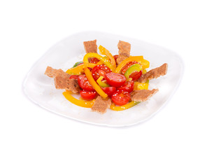 Fitness salad with tomatoes and bell pepper.