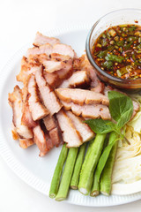 Charcoal-boiled pork neck and spicy sauce.