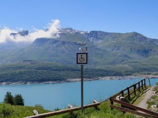 accessibilité des sentiers pour handicapés dans les alpes