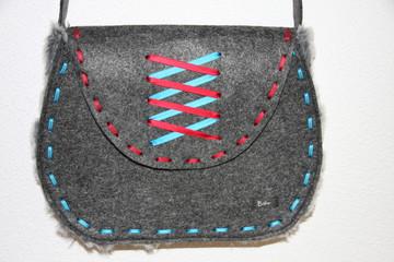 Trachtenhandtasche aus Filz