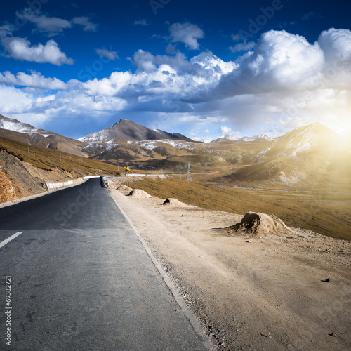 canvas print picture mountain road