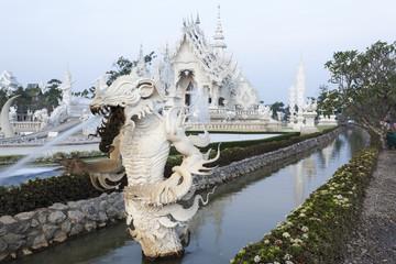 Wasserspeier am Wat Rong Khun in Chiang Rai