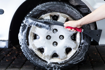 Professional hubcap cleaning