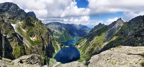 Piękny widok z Buli pod Rysami na Czarny Staw i Morskie Oko - 69388137