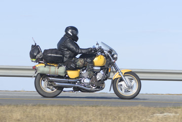 Motociklist goes on speedway