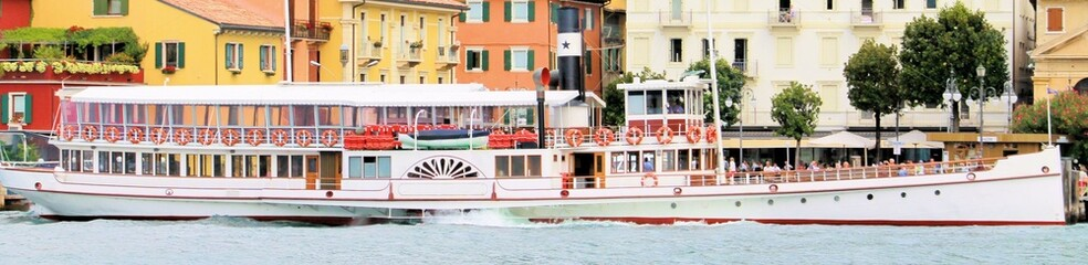 Tourist boat on the Garda lake