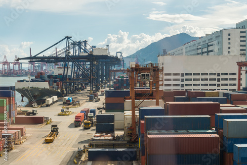 Poster Hong-Kong port dock container crane logistic industries